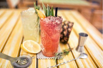 Incontri tra cibo e cocktail